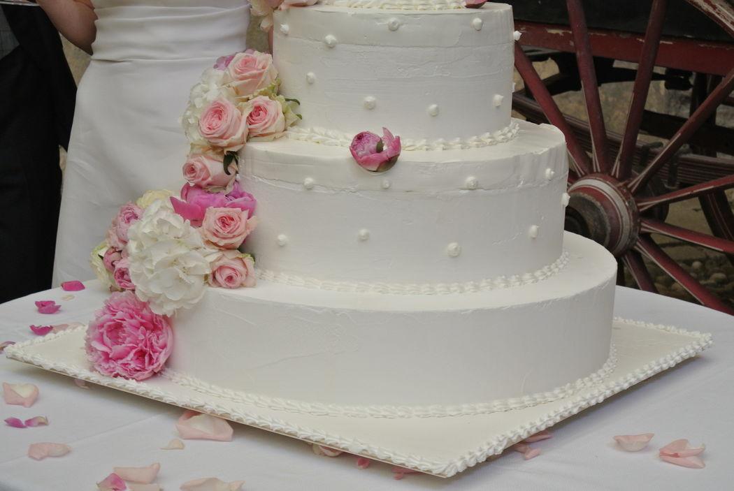 Shabby chic wedding - Wedding cake