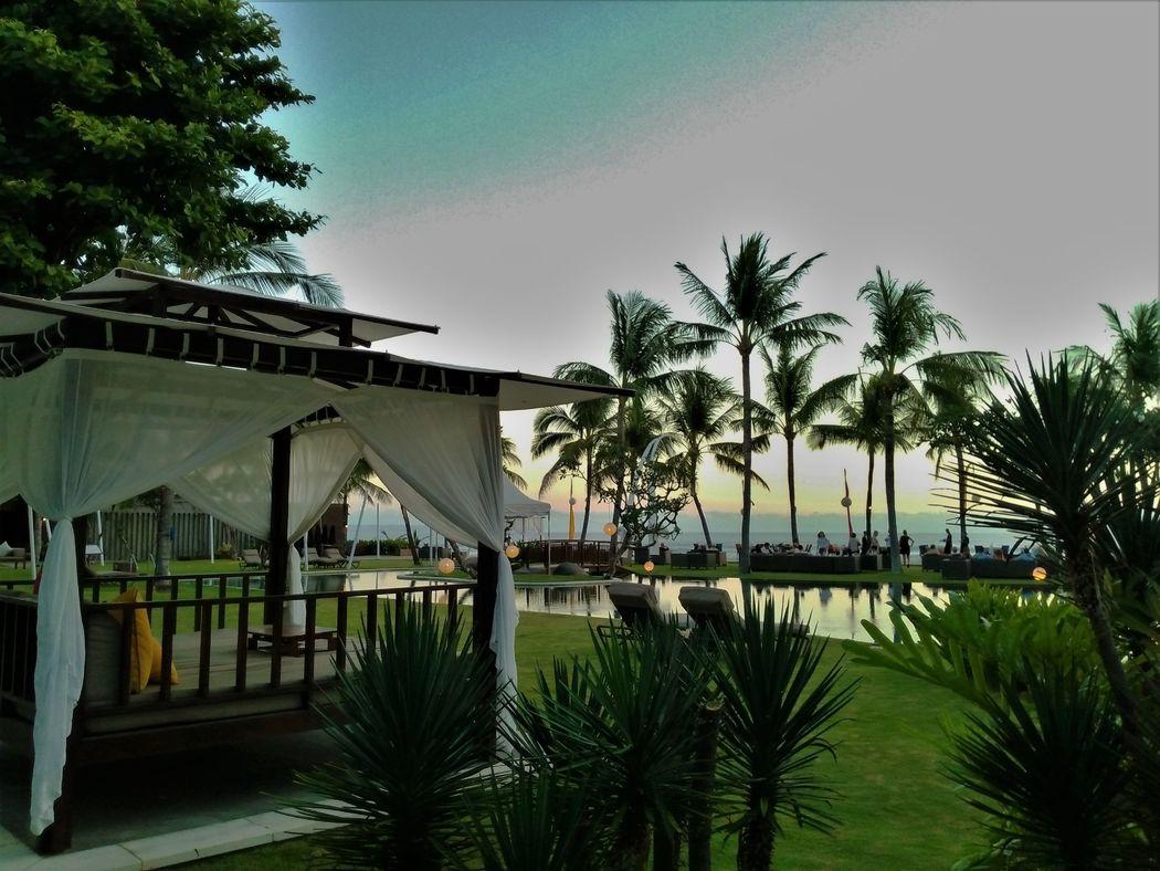 Atardecer en restaurante de Bali