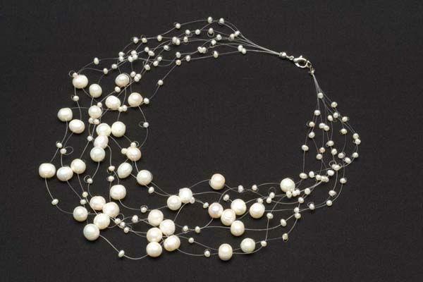 Beispiel: Halskette, Foto: Monarosa.