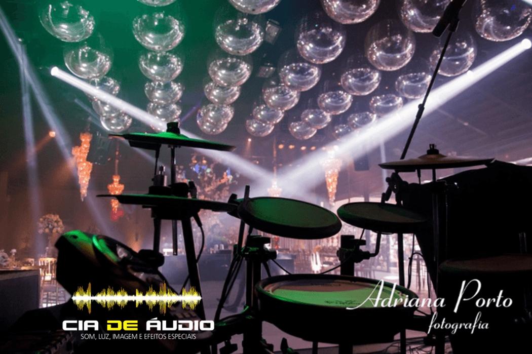 Cia de Áudio   Som, luz, imagem e efeitos especiais