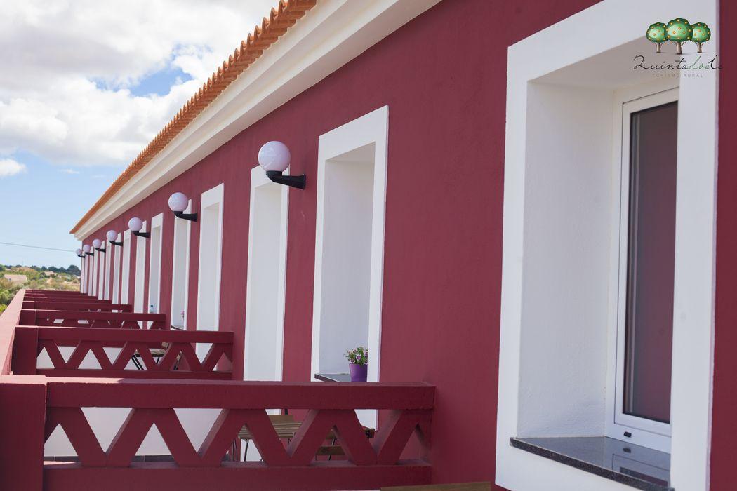 Quinta dos I's  Varanda privativa dos Quartos