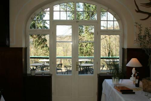 Beispiel: Ausgang zur Terrasse, Foto: Restaurant ´S´ Kastanie.