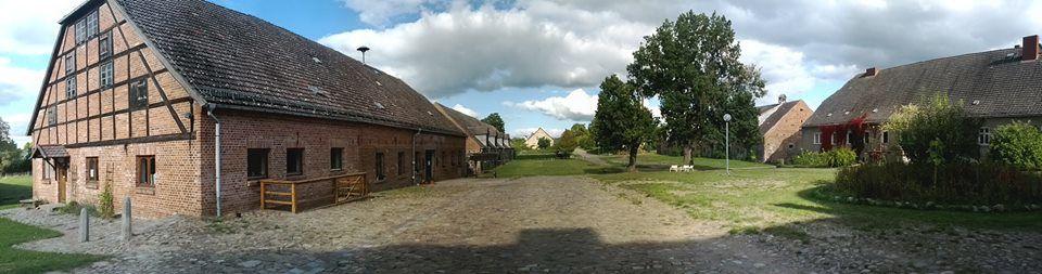 Beispiel: Aussenansicht, Foto: Gut Neuensund.