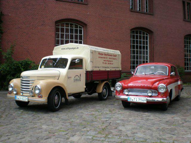 Beispiel: Extra Services, Foto: Alte Pumpe.