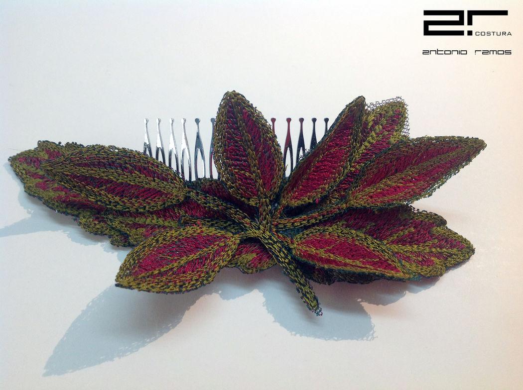 complementos: tocados  bordados personalizados para  www.espaciodenovias.com