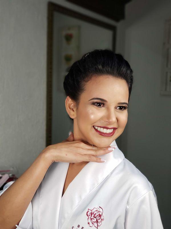 Renata Cassigoli - Make & Hair Design