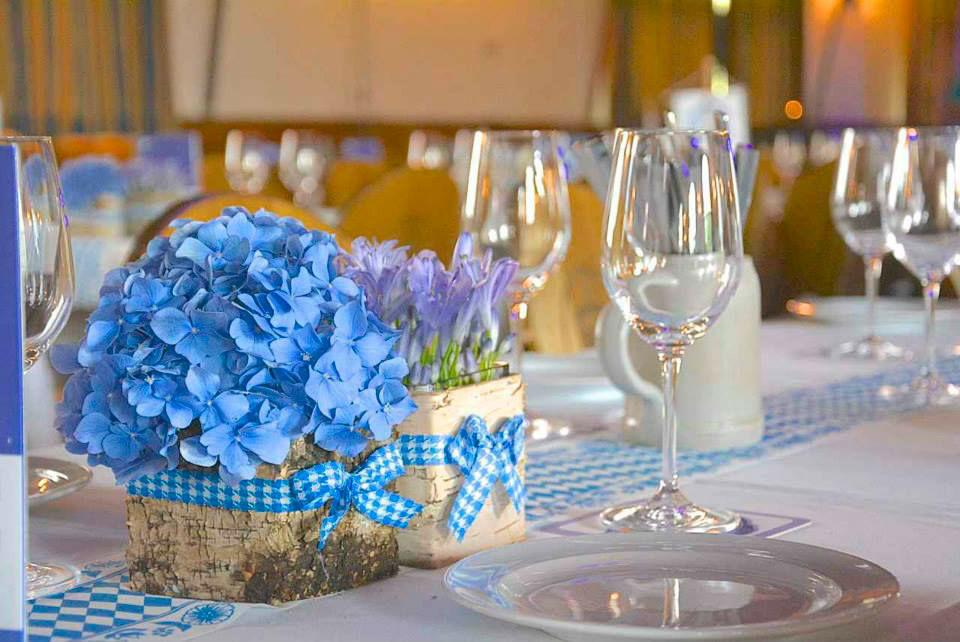 Beispiel: Hochzeitsfloristik, Foto: Le langage des fleurs.