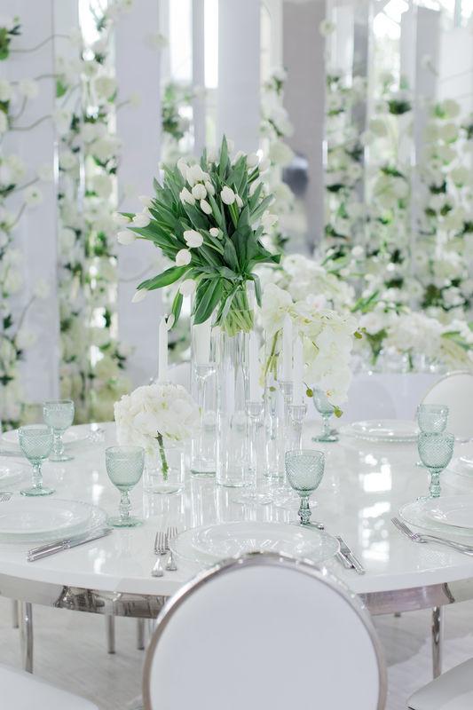 Июньская свадьба в стиле минимализм от студии Maria German Decor