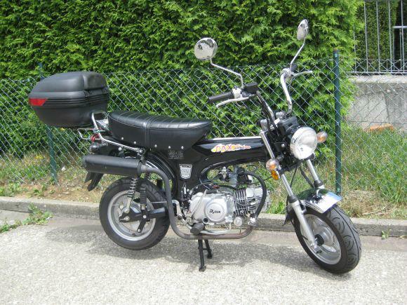 Beispiel: Motorrad Honda Dax Replica, Foto: Knut Ginzel Oldtimerverleih.