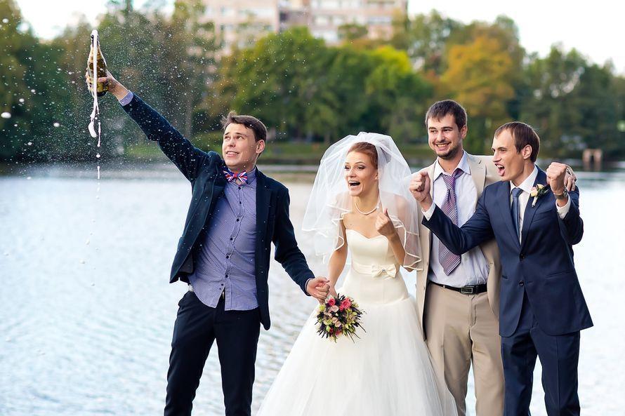 Ведущий Александр Баруздин