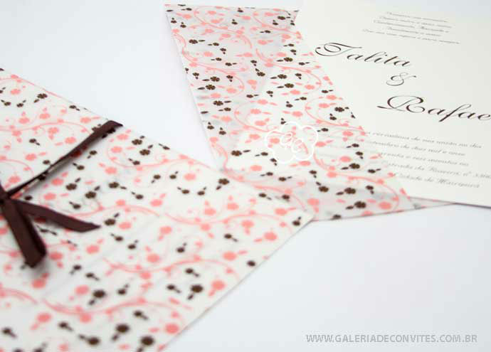 convite de casamento modelo LF em rosa e marrom