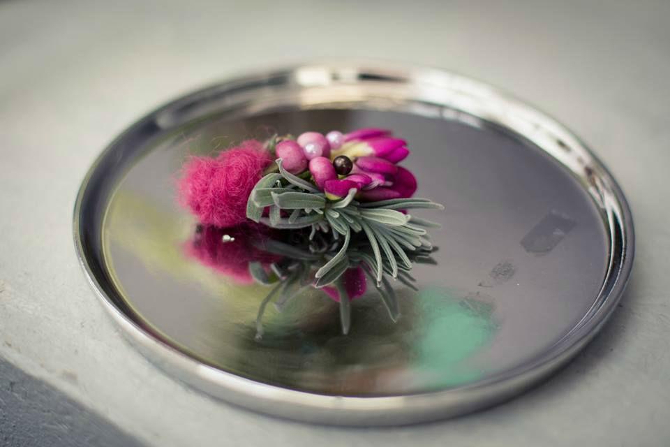 Beispiel: Anstecker für den Bräutigam, Foto: May Garden.