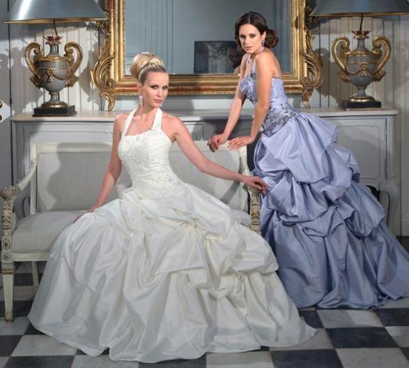 Beispiel: Brautkleider von Isabel de Mestre, Foto: Brautmoden Isabel.