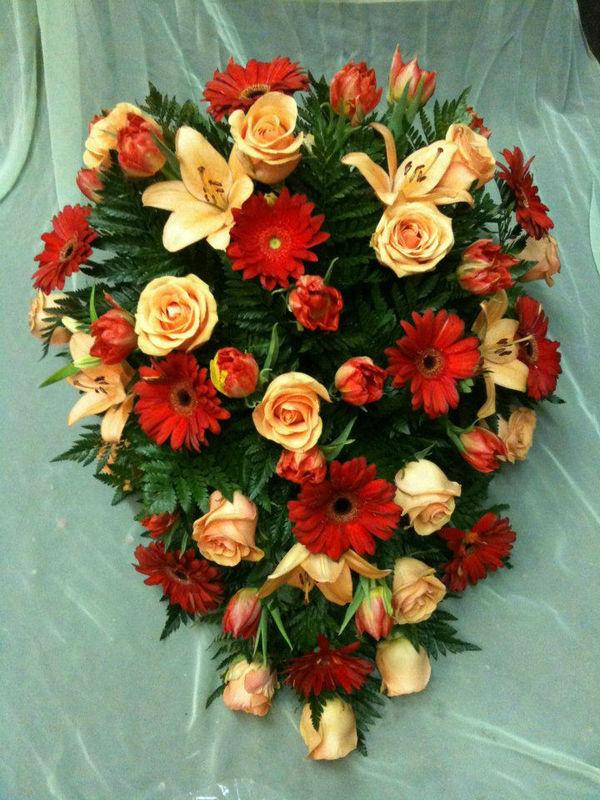 Beispiel: Hochzeitsschmuck, Foto: Blumen Röglin.