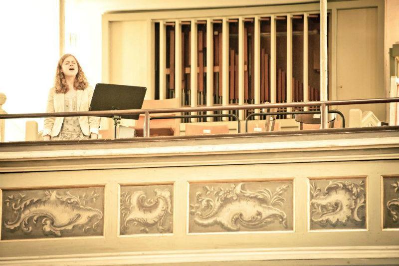 Beispiel: Gesang in der Kirche, Foto: Alexandra Pietsch Hochzeitssängerin.