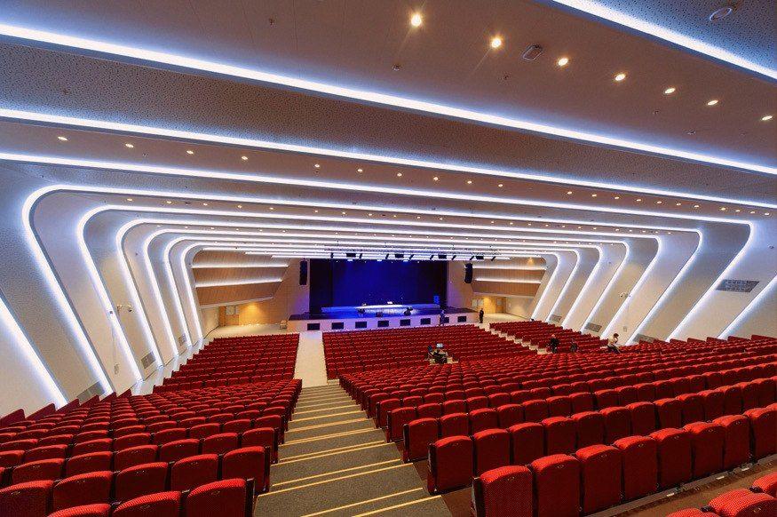 """Концертный зал """"Гранд Холл Сибирь"""""""