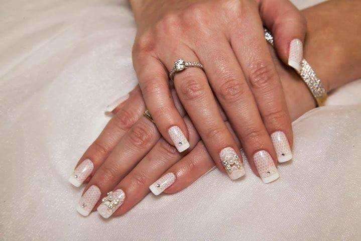 Beautiful Nails by Alessandra Lirani