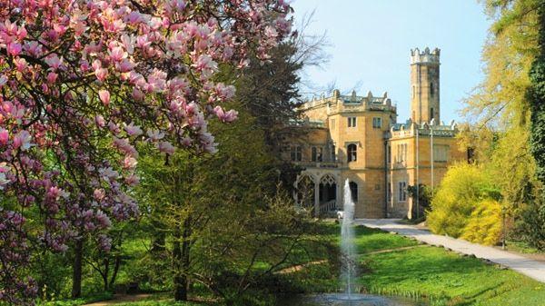 Beispiel: Schloss mit Park, Foto: Schloß Eckberg.g