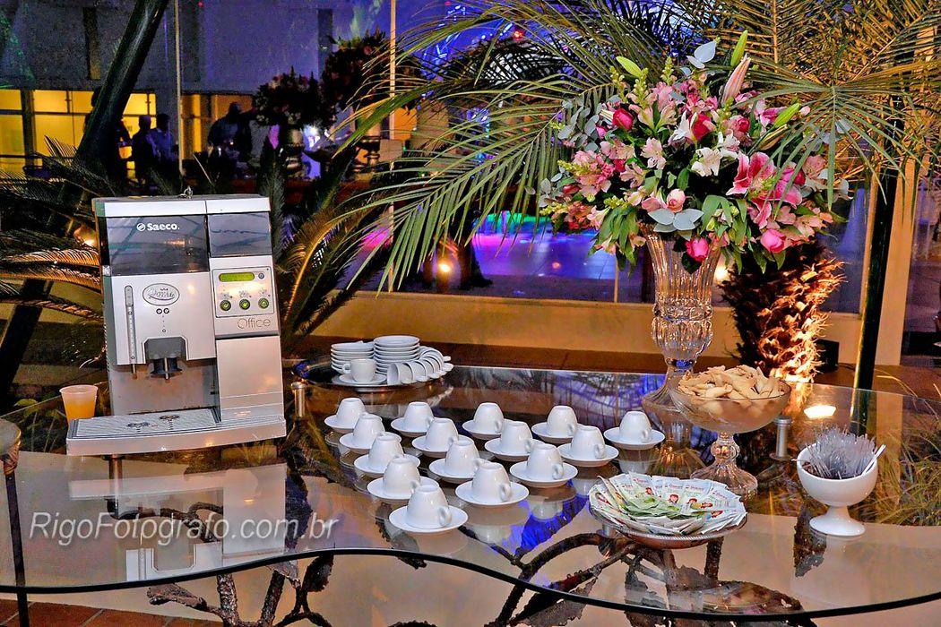 Buffet Café Tropical