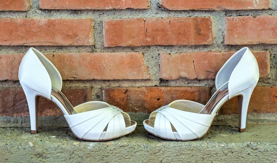 Spaço Criativo Calçados Para Noivas e Festas