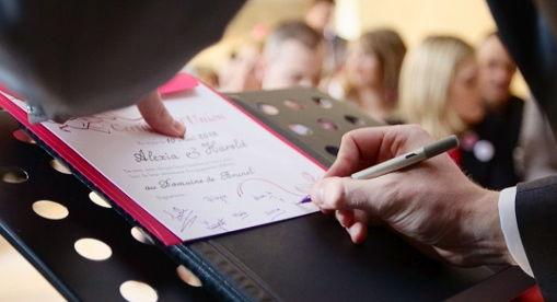 Signature du Certificat d'Union calligraphié