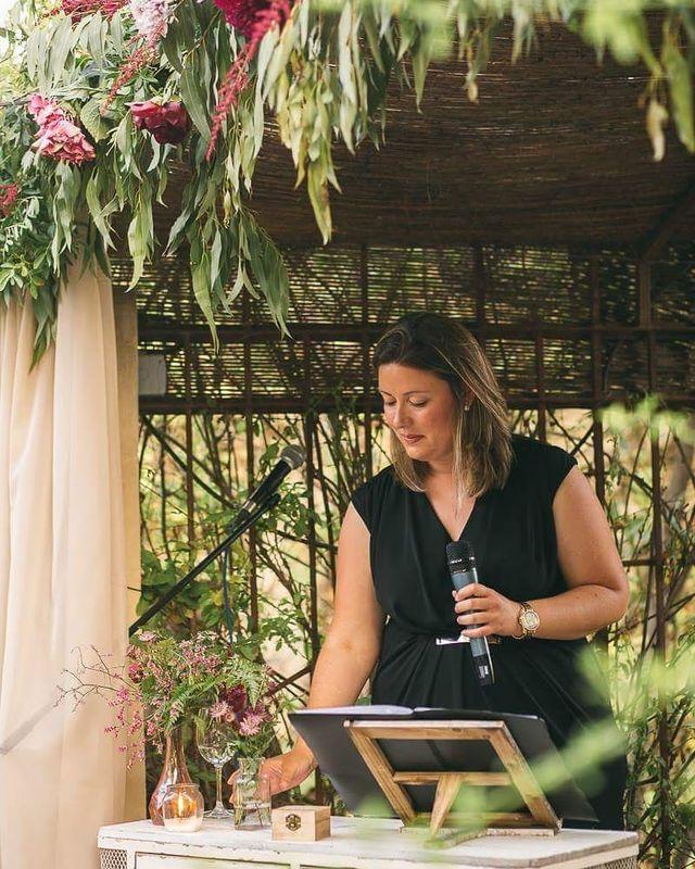 Las Ceremonias de Isabel-Maestra de Ceremonias