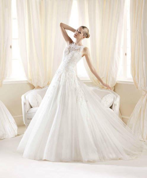 Beispiel: Wunderschöne Brautkleider, Foto: Vondru.