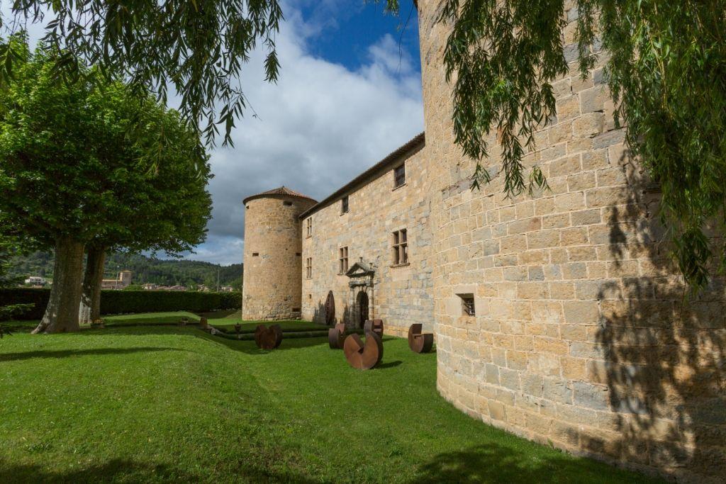 Le Chateau des Ducs de Joyeuse