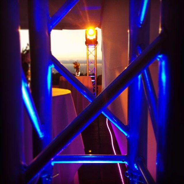Iluminación robotizada, estructura Truss