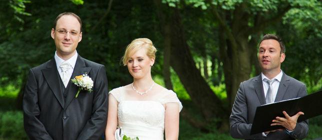 Beispiel: Ihre Hochzeitszeremonie mit Fantasie, Foto: Die freie Trauung Hendrik Zietz.