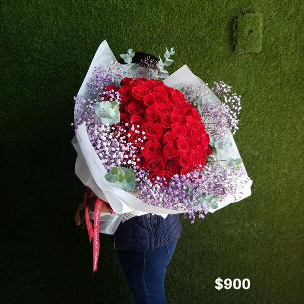Delirium Luxury Flowers