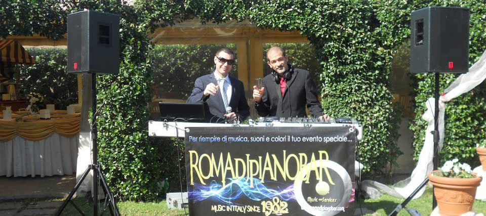 Intrattenimenti musicali per eventi e ricevimenti di matrimonio Romadjpianobar info@romadjpianobar.com Aperitivo - Pianobar - Intrattenimento http://www.romadjpianobar.com