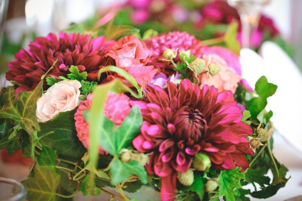 Beispiel: Blumendekoration, Foto: Strobel Floristik.