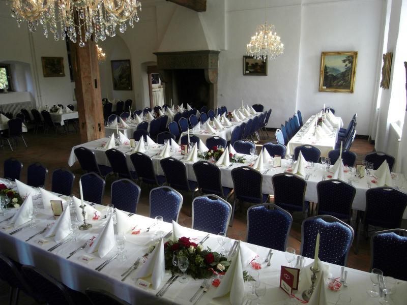Beispiel: Dekoration Ihrer Hochzeitstafel, Foto: A-Z Erftland Partyservice.