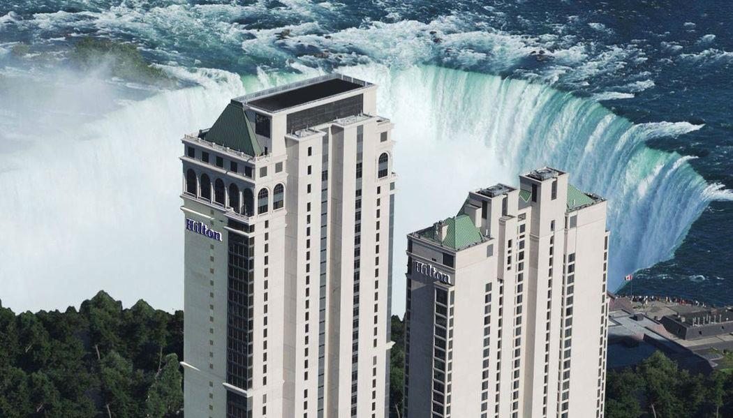 Beispiel: Hotel an den Niagarafällen, Foto: Neckermann.