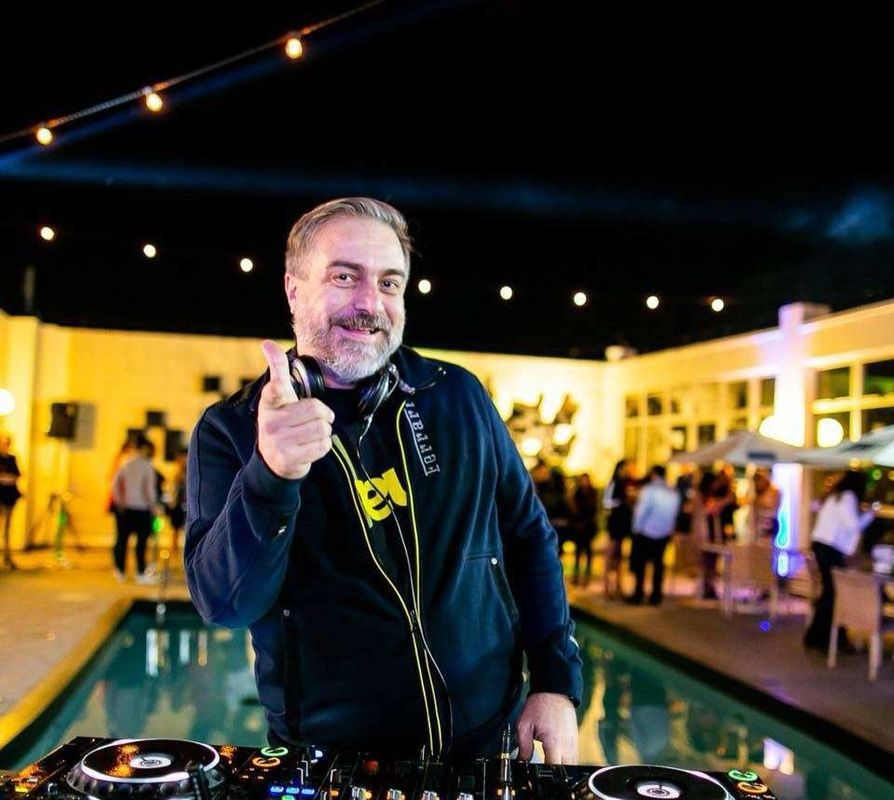 DJ Carlos Kroeff | Xéu