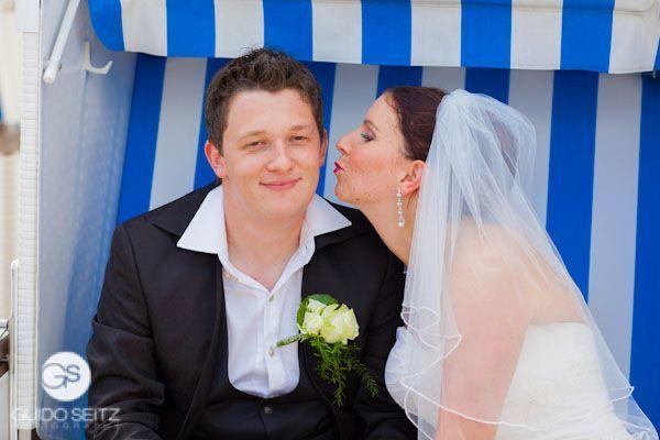 Beispiel: Liebevolle Hochzeitsfotos, Foto: Guido Seitz Photography.