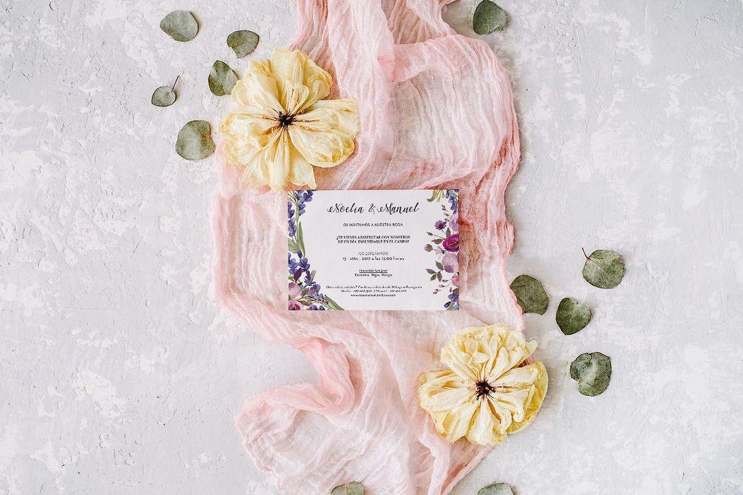 Románticas invitaciones de boda en acuarela diseñadas por Wedding Warriors