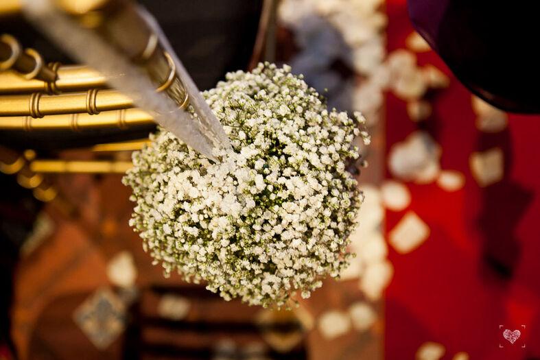 Arte floral presenciando la ceremonia y convite en La Lola se Va de Boda