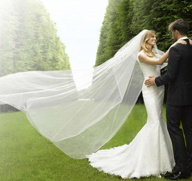 Silberherz Brautmoden