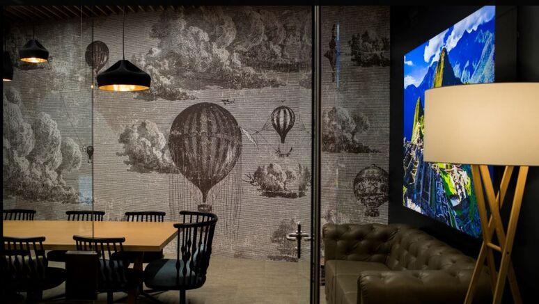 B the travel brand Premium Porto