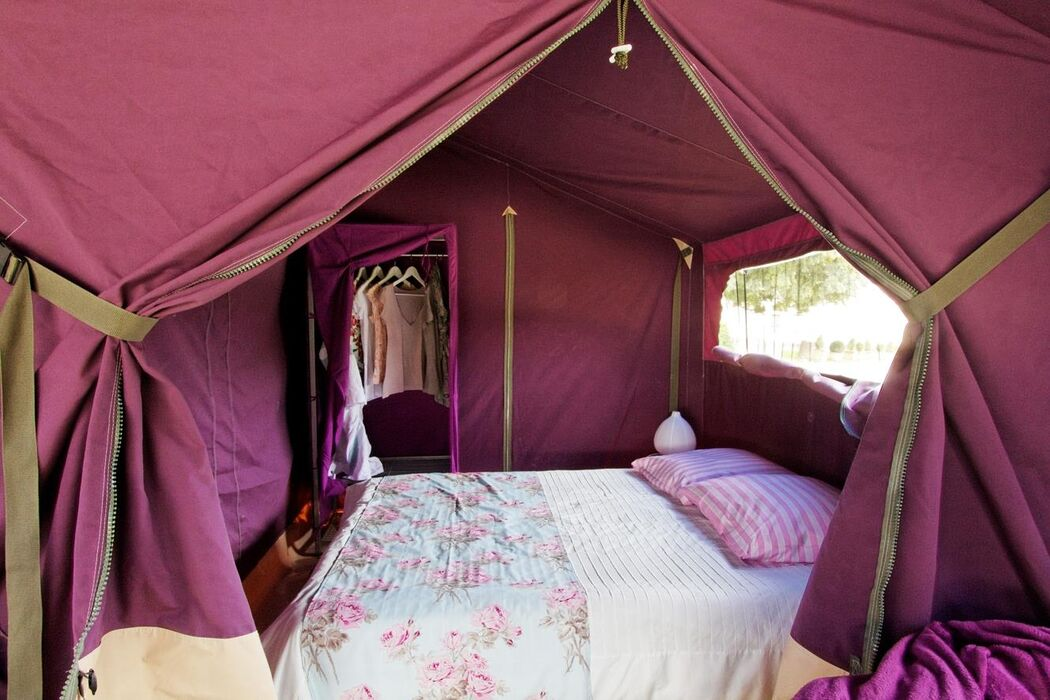 Flower Camping Les Ilates****