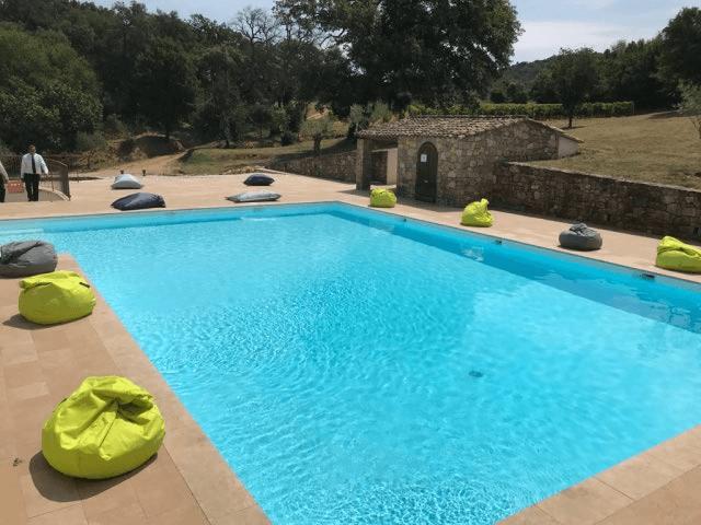 la piscine en utilisation Brunch