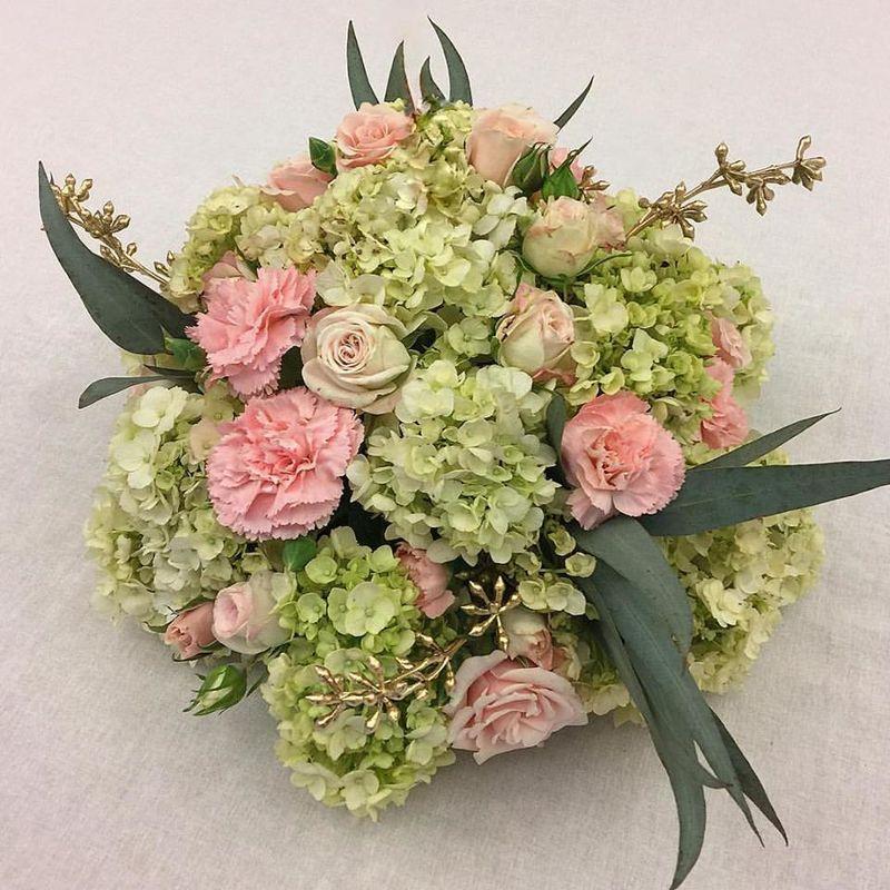 BLACK & WHITE floral design