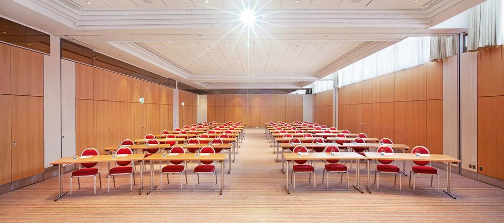 Beispiel: Tagungsraum Zürich I-III, Foto: Mövenpick Hotel Zürich-Regensdorf.