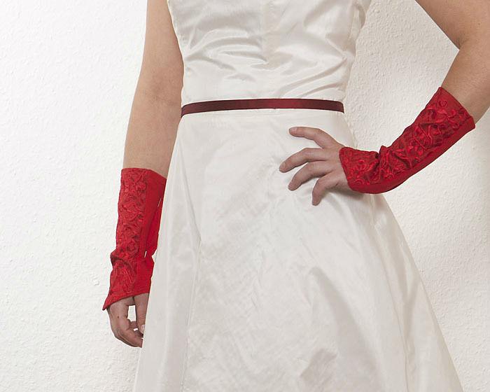 Beispiel: Hochzeitsstulpen in Rot, Foto: JAAP Onlineshop.
