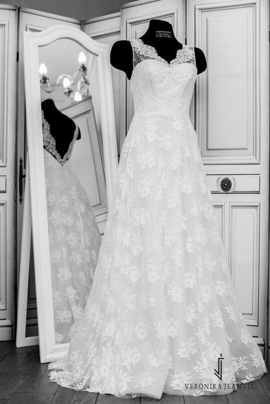 Robe de mariée bohème sur-mesur dentelle | Collection 2017 | Veronika Jeanvie