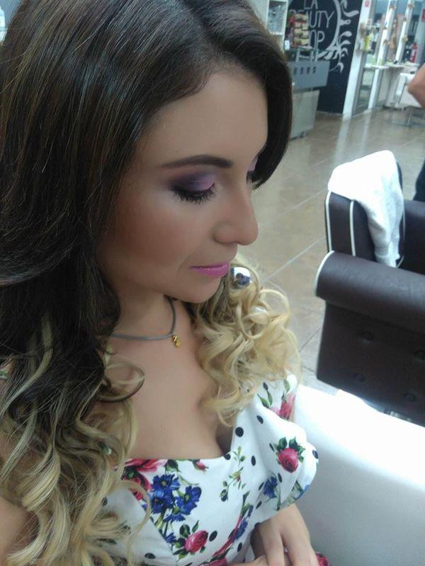 Viviana Risco Make Up Artist