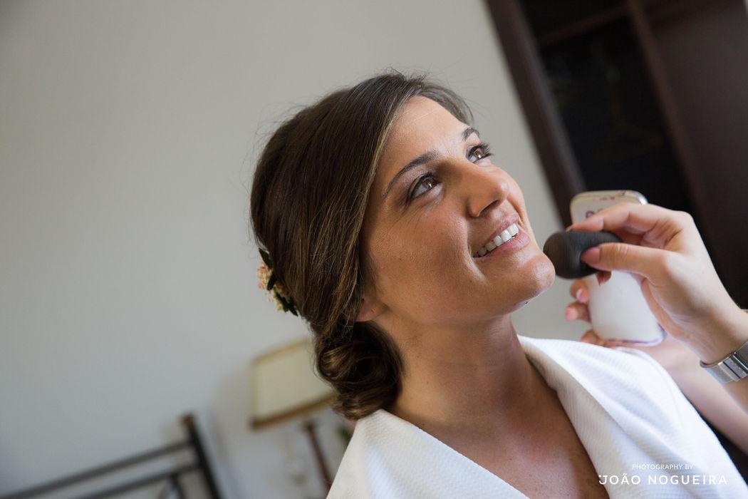 Cláudia Cê - MakeUp Artist & Beauty