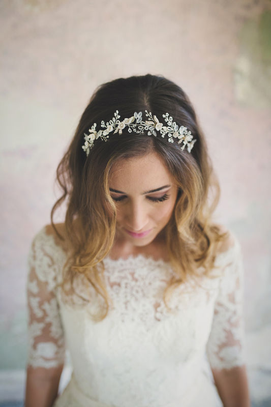 Diadema floreale con cristalli e perline satinate | Elibre Handmade